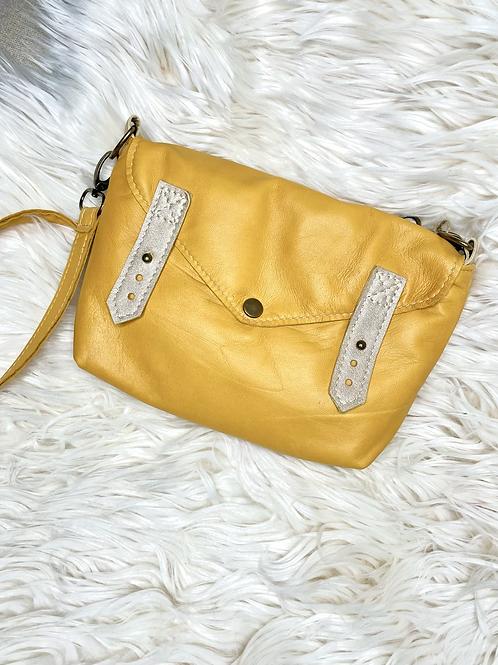 Petit sac bandoulière moutarde en cuir