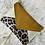 Thumbnail: Pochette enveloppe sable velour moutarde et léopard