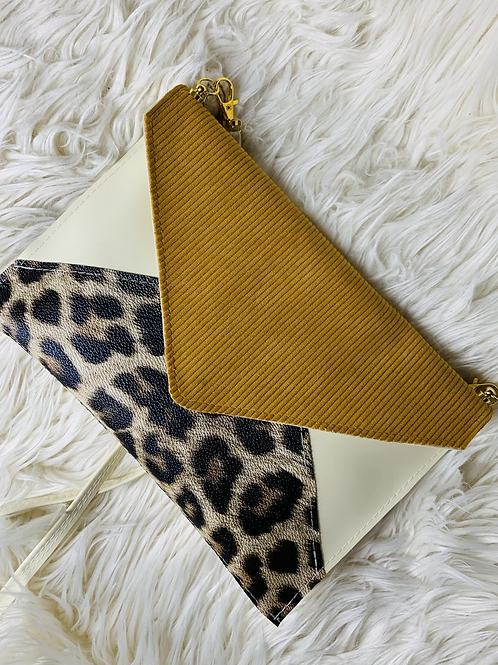 Pochette enveloppe sable velour moutarde et léopard