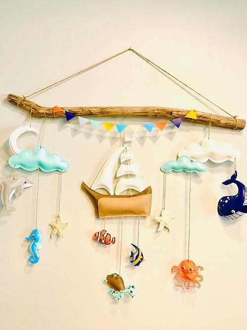 Mobile mural bateau et poissons