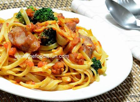 Linguine in Tomato Herb sauce