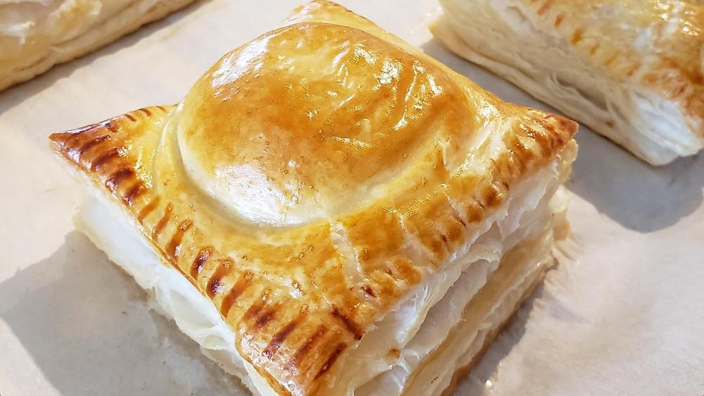 Bánh Patê Sô - Puff Pastry Meat Pies