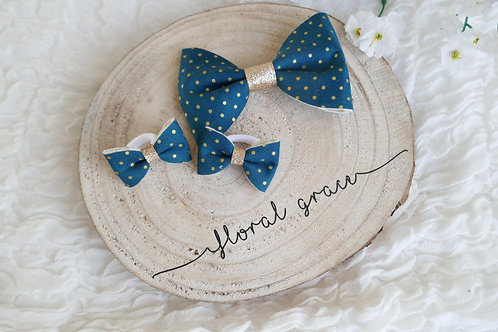 Spotty teal bow