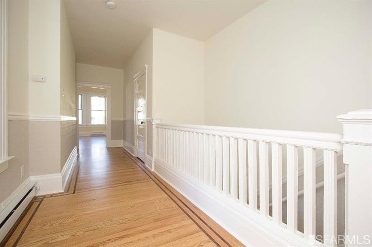 hallway pic1.jpg
