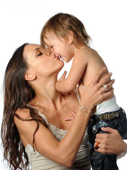 Liora Sav kiss web-Edit.jpg