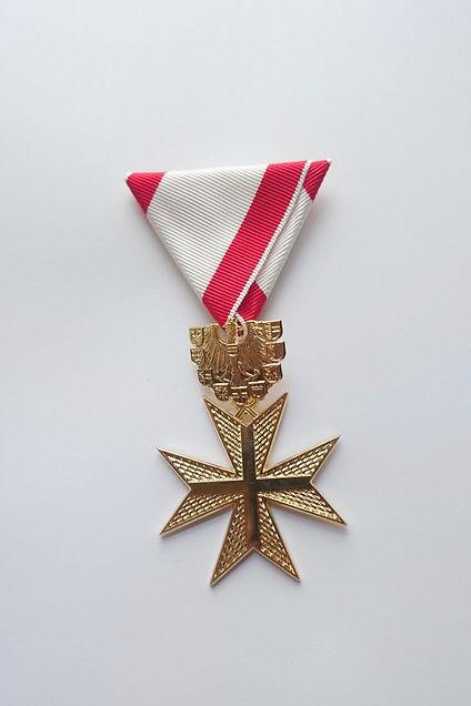 Goldenes-Verdienstzeichen-Kreuz.jpg