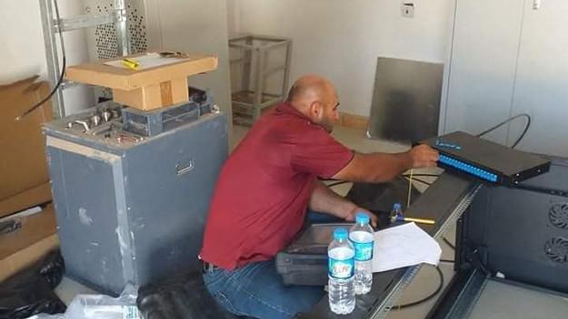 إتصالات نينوى تعلن عن إيصال كابل ضوئي لبدالة تلعفر و تنصيب الأجهزة لغرض توسيع و زيادة سعات الإنترنت.