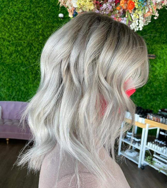 Bold Blondes