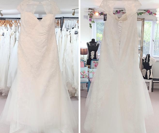 Size 26 Sonsie 'Isla' lace fishtail wedding dress