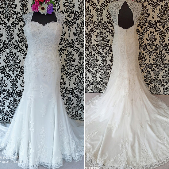 Size 16 Victoria Kay lace fit & flare wedding dress