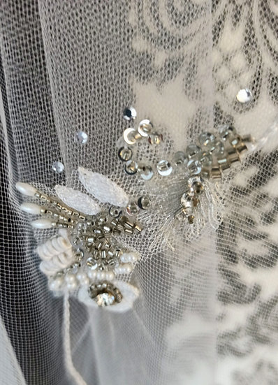 Ivory tulle 2-layer knee length veil with lace & bead appliques