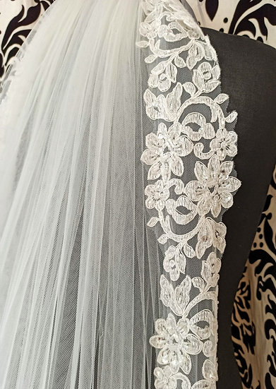 Ivory long 2-layer lace-edge with veil with beading 265cm approx