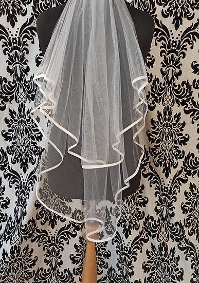 Fingertip double layer ribbon edge veil
