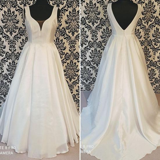 Size 14 NEW 'Jessica' Bianco Evento ivory wedding dress