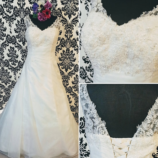 Verise lace and organza a-line wedding dress size 24