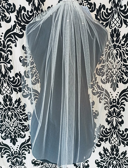 Ivory single layer short veil with crystal flowers