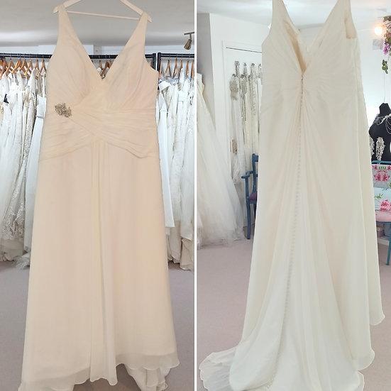 Size 28 Sonsie ivory chiffon elegant wedding dress