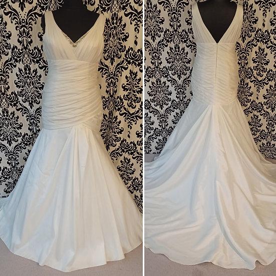 Size 18 ivory fit & flare wedding dress
