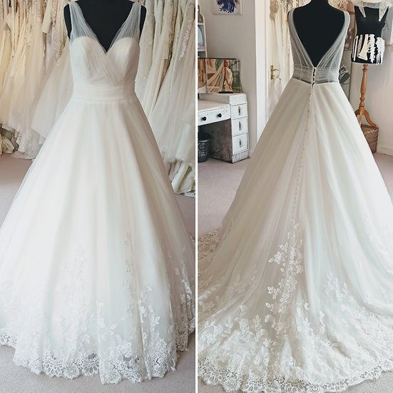 Size 12 tulle and lace A-line wedding dress with straps