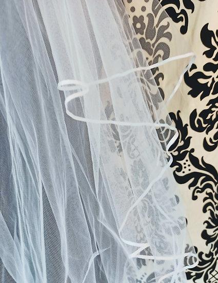White tulle 2-layer ribbon-edge elbow-length veil