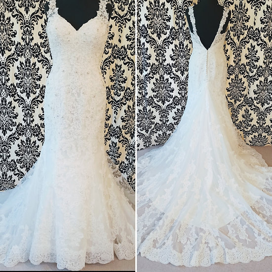 Size 10 Madelaine Gardner lace fit & flare wedding dress