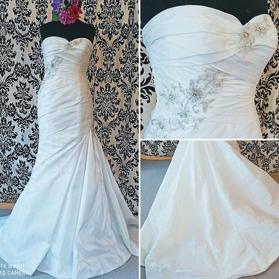San Patrick ivory fit & flare wedding dress size 14