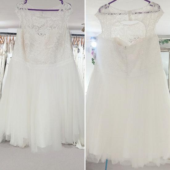 Size 20 Sydney's Closet short lace and tulle wedding dress