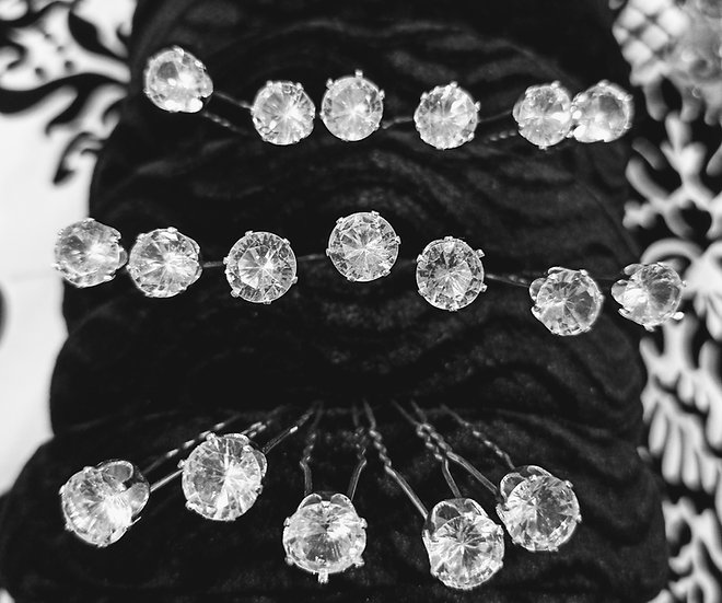 Large diamante hair pins