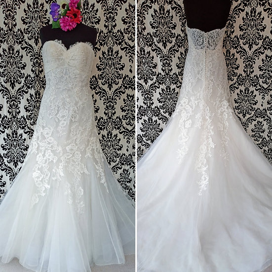 Size 14 / 16 Berketex Vintage lace fit & flare wedding dress