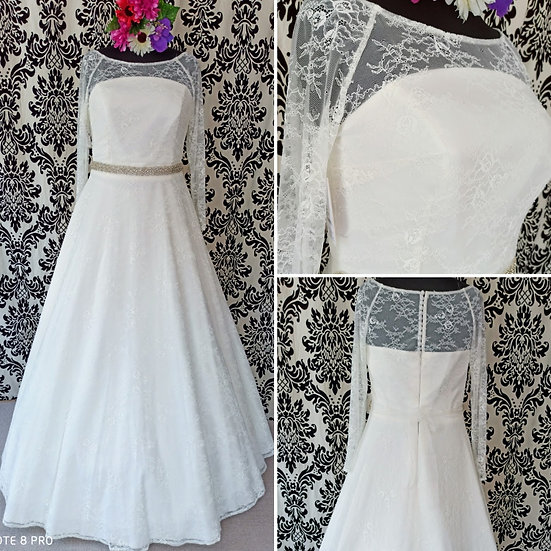 Can be ordered in 8 - 18, Bianco Evento lace  wedding dress with sleeves