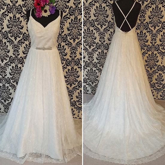 Size 12 Only You ivory lace A-line backless wedding dress
