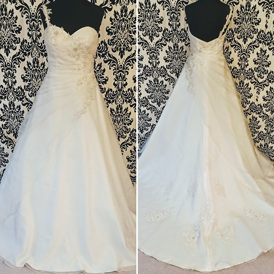 Size 12 sample ivory organza A-line wedding dress with lace & bead appliques