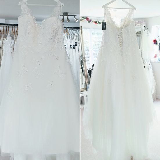 Size 26 Sonsie 'Emmy' ivory lace A-line wedding dress with high neck