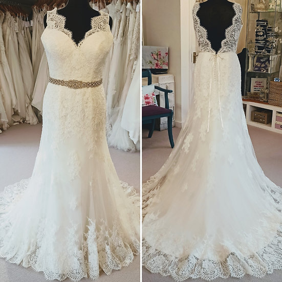 Size 16 Alfred Angelo ivory lace fit and flare wedding dress