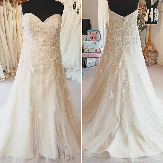Size 18 Romantica 'Armani' blush lace wedding dress