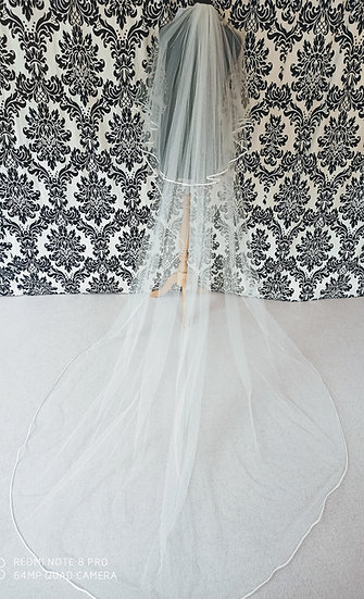 Long 320cm two layer ribbon-edge ivory veil with sparkles