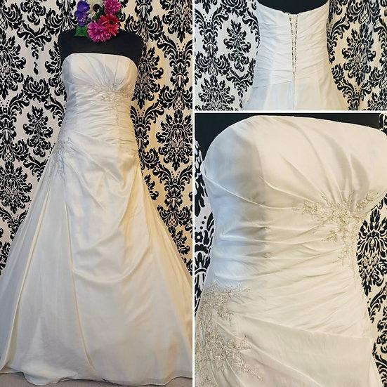 Linzi Jay a-line wedding dress size 20