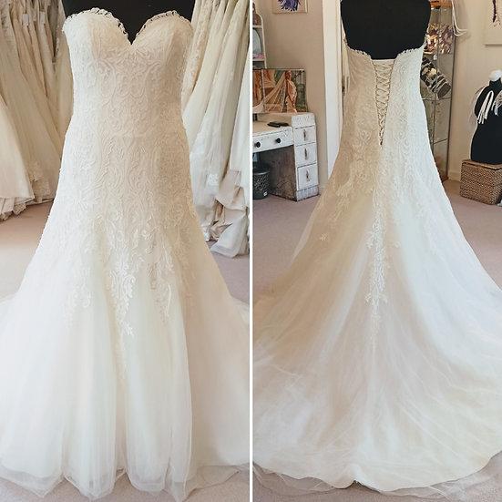 Size 16 Mark Lesley ivory lace A-line wedding dress