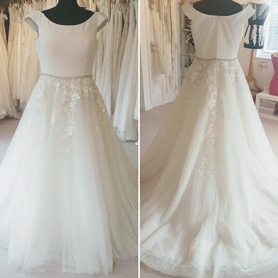 Size 22 White Rose chiffon and lace A-line wedding dress