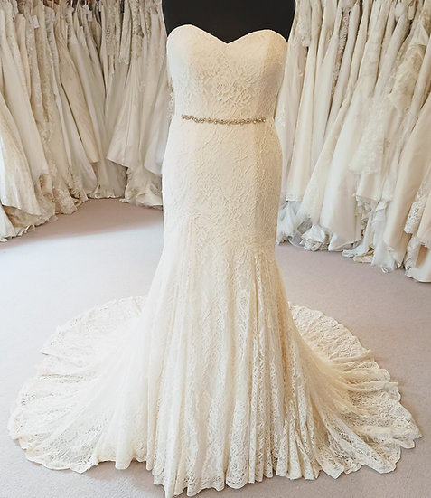 Size 14 Karen George ivory lace fit and flare wedding dress