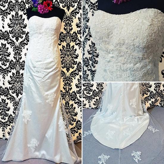 Slim lace wedding dress size 8