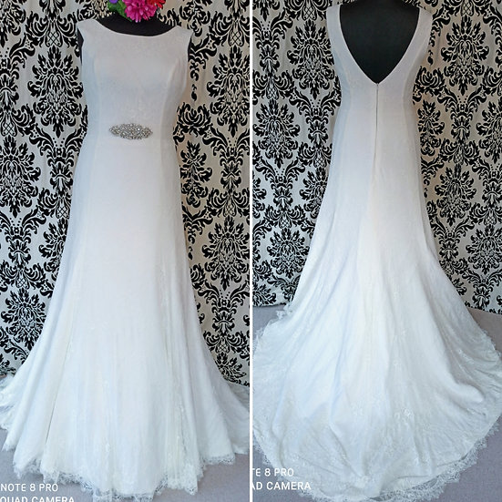 Size 16 new Bianco Evento lace fit and flare wedding dress