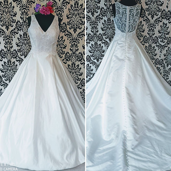 Size 10 / 12 beaded satin ballgown wedding dress with pockets