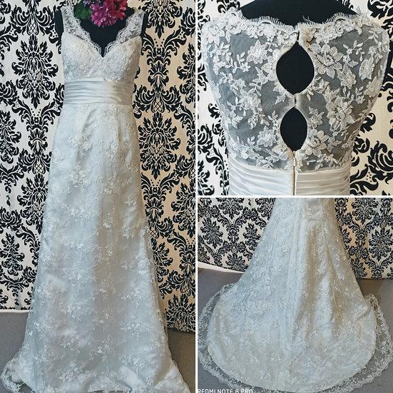Ivory lace fit & flare wedding dress with keyhole back size 10