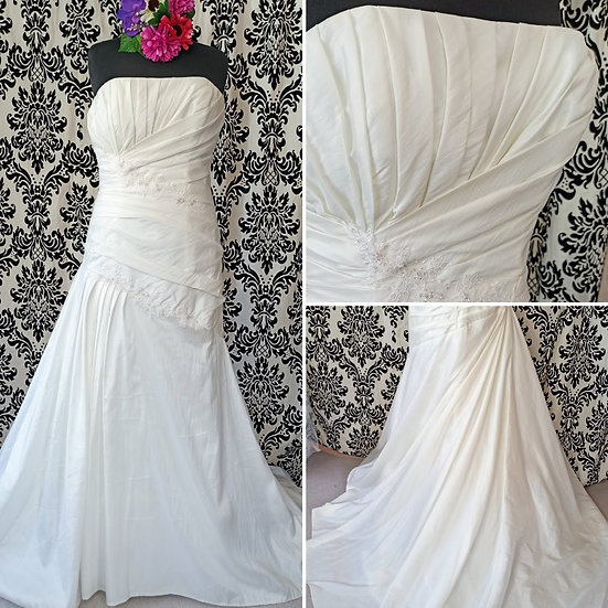 Alice James taffeta fit & flare wedding dress size 18