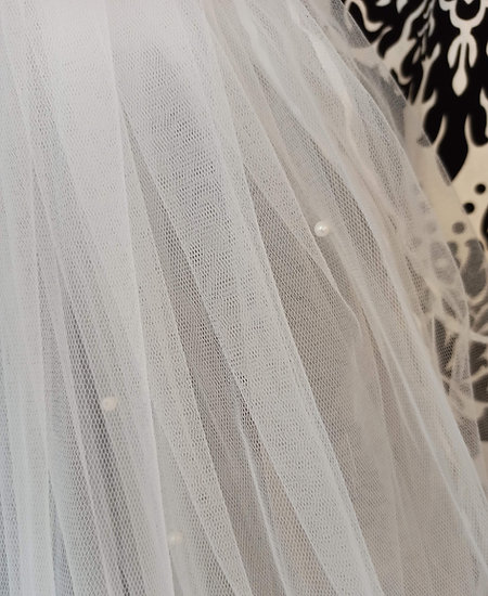Ivory tulle 3-layer ribbon-edge pearl decorated elbow-length veil
