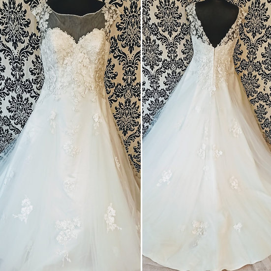 Size 22 sample lace & tulle A-line wedding dress