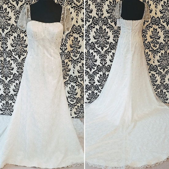 Size 10 vintage-style empire-line lace wedding dress