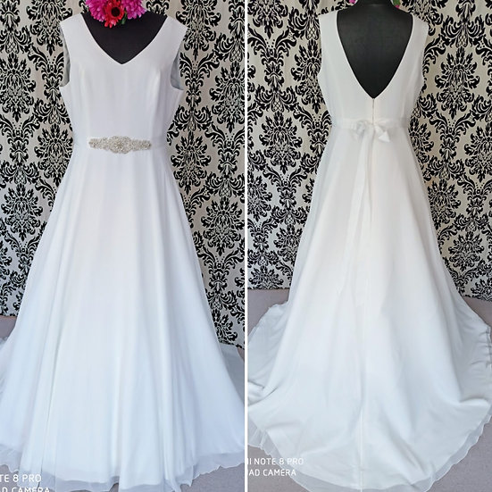 Can be ordered in size 8 - 16, Bianco Evento 'Dalila' A-line wedding dr