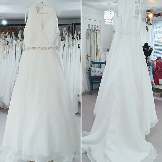 Size 24 Sonsie 'Marilyn' 50s style ivory organza wedding dress with collar